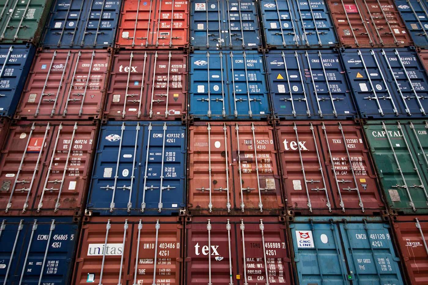 Хранение порожних и гружёных контейнеров